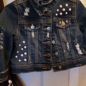 Toddlers distressed jean jack with pearls